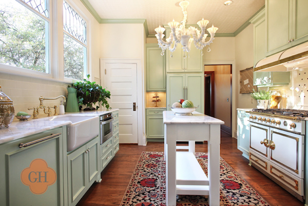Using a farmhouse sink in your kitchen