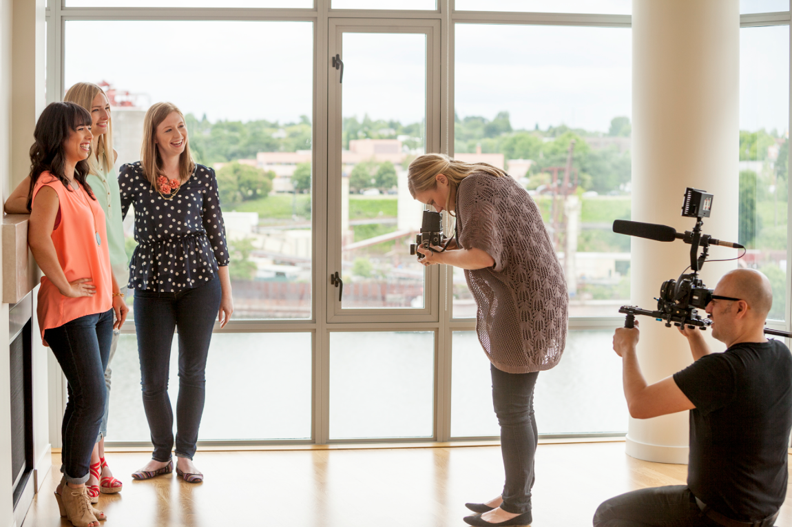 see behind the scenes of our photo shoot, interior designer photo shoot, Waterfront pearl photo shoot