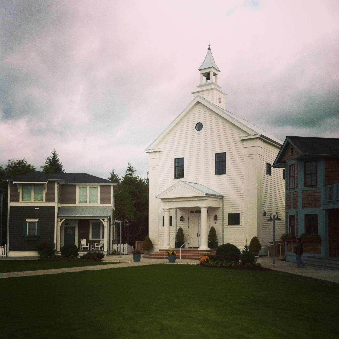 cute church in pacific northwest, photos from Idea Town, Artistic photos of churches