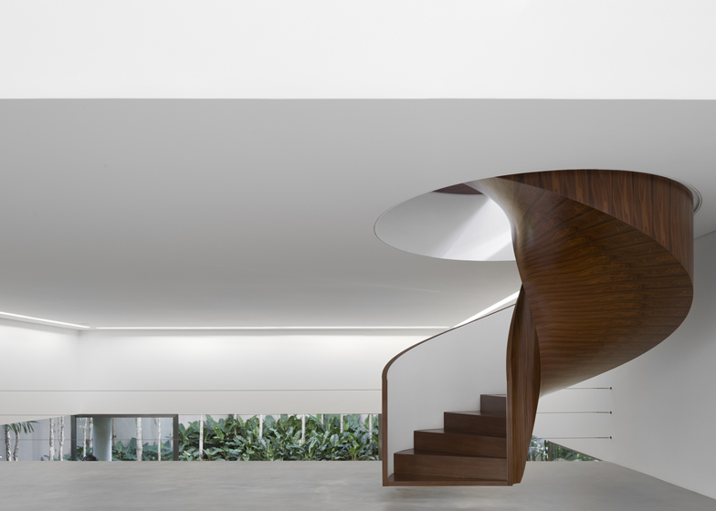 coolest staircases, floating staircases, greatest designs for staircases
