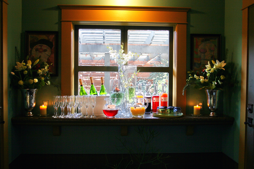 Garrison hullinger, holiday party, bar set up