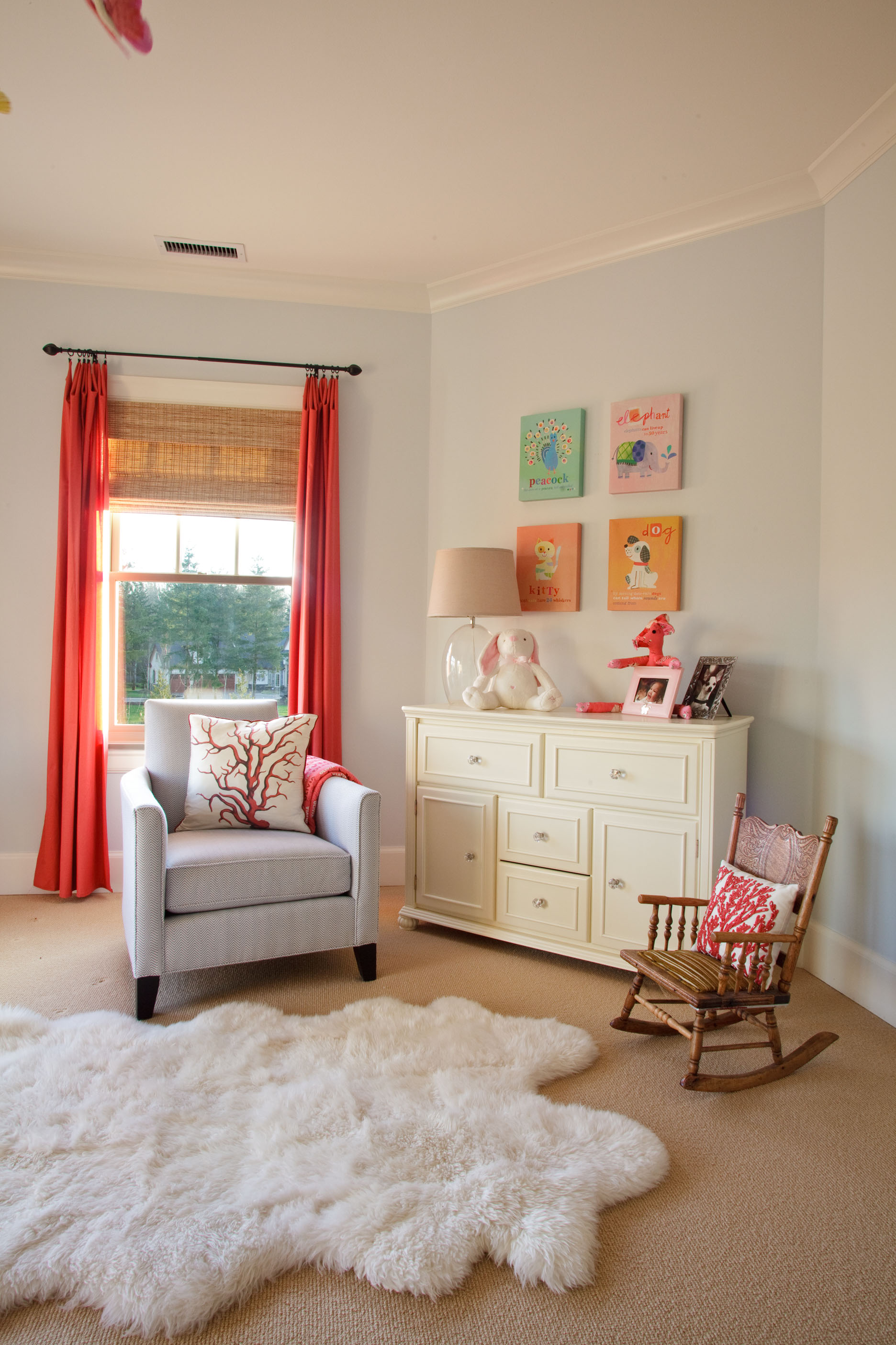 how to decorate a kids room, inspiration for bright kids rooms, nursery room window coverings