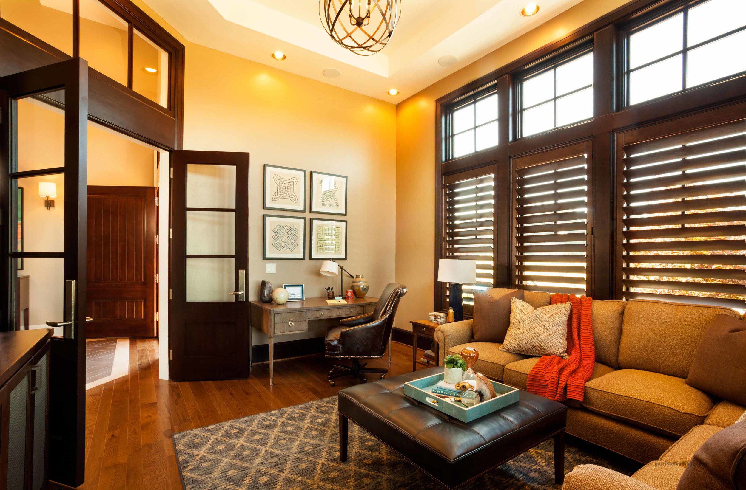 light controlling window treatments, dark wood window coverings, hunter douglas blinds used in interior design