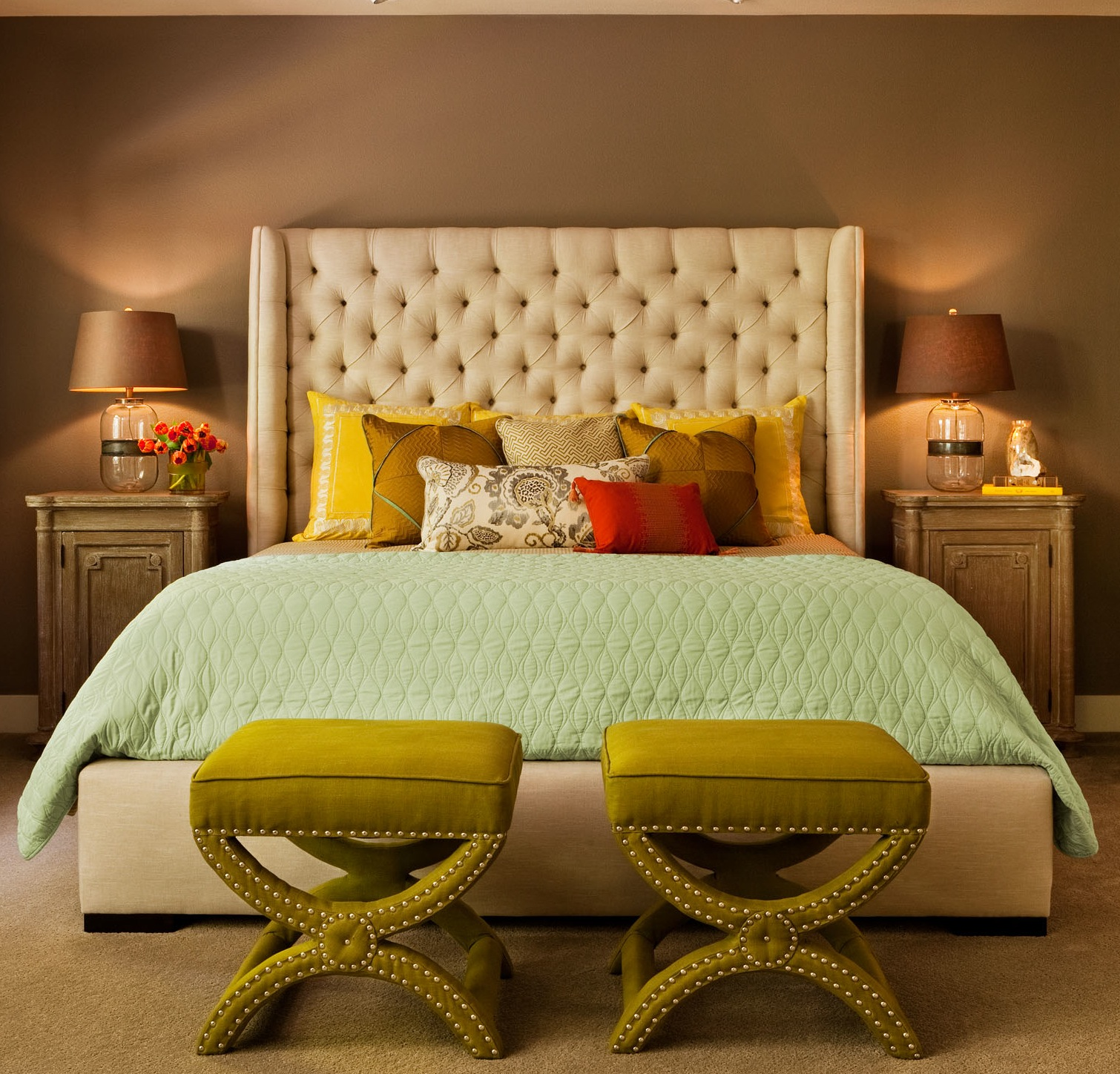 How to add color into your home at the change of the seasons, beautiful bedroom ideas, inspiration to decorate your room