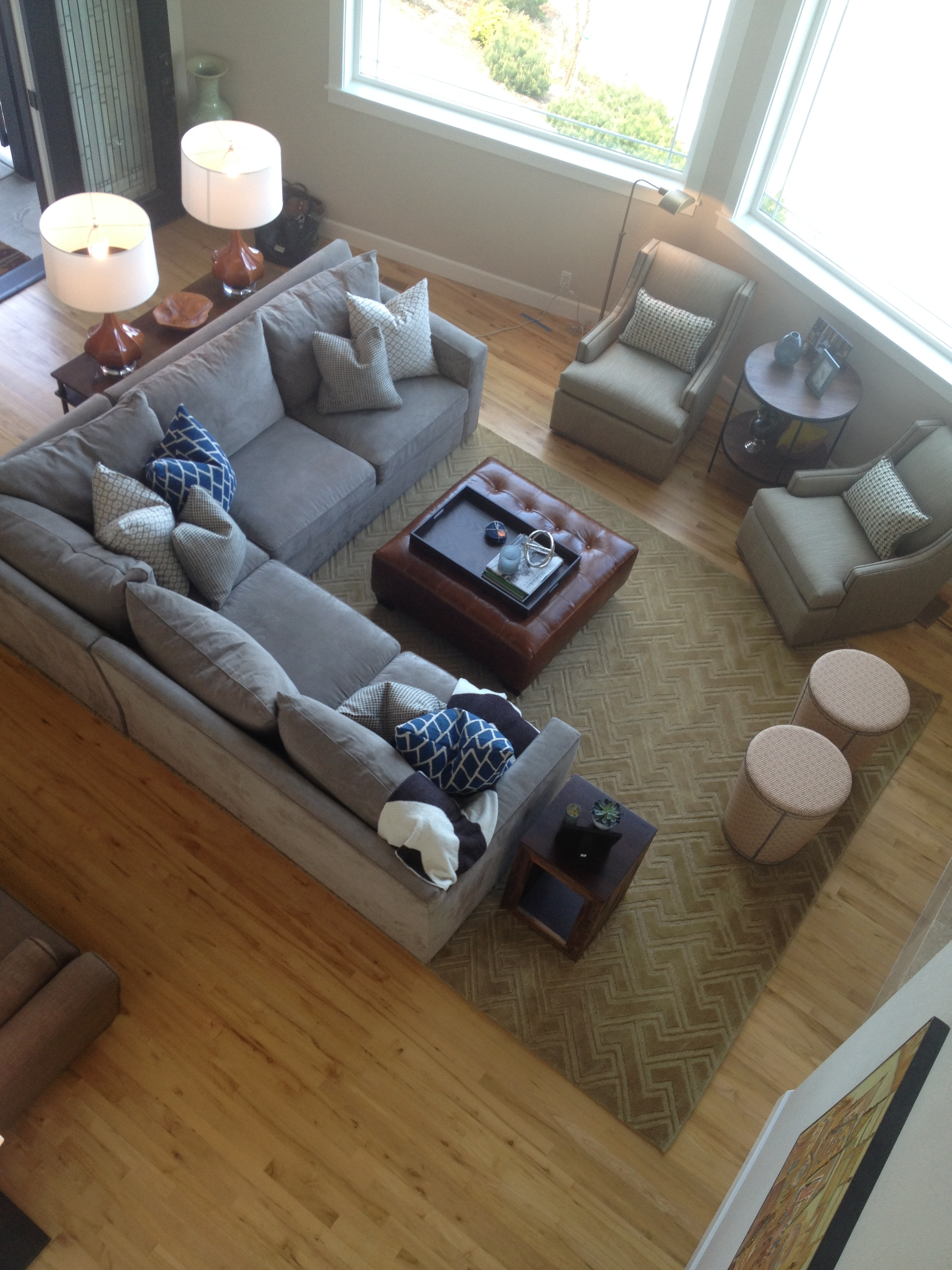 Decorating a large family room - Ideas For Decorating Large Rooms Creating Separate Spaces In A Large Family Room In Your