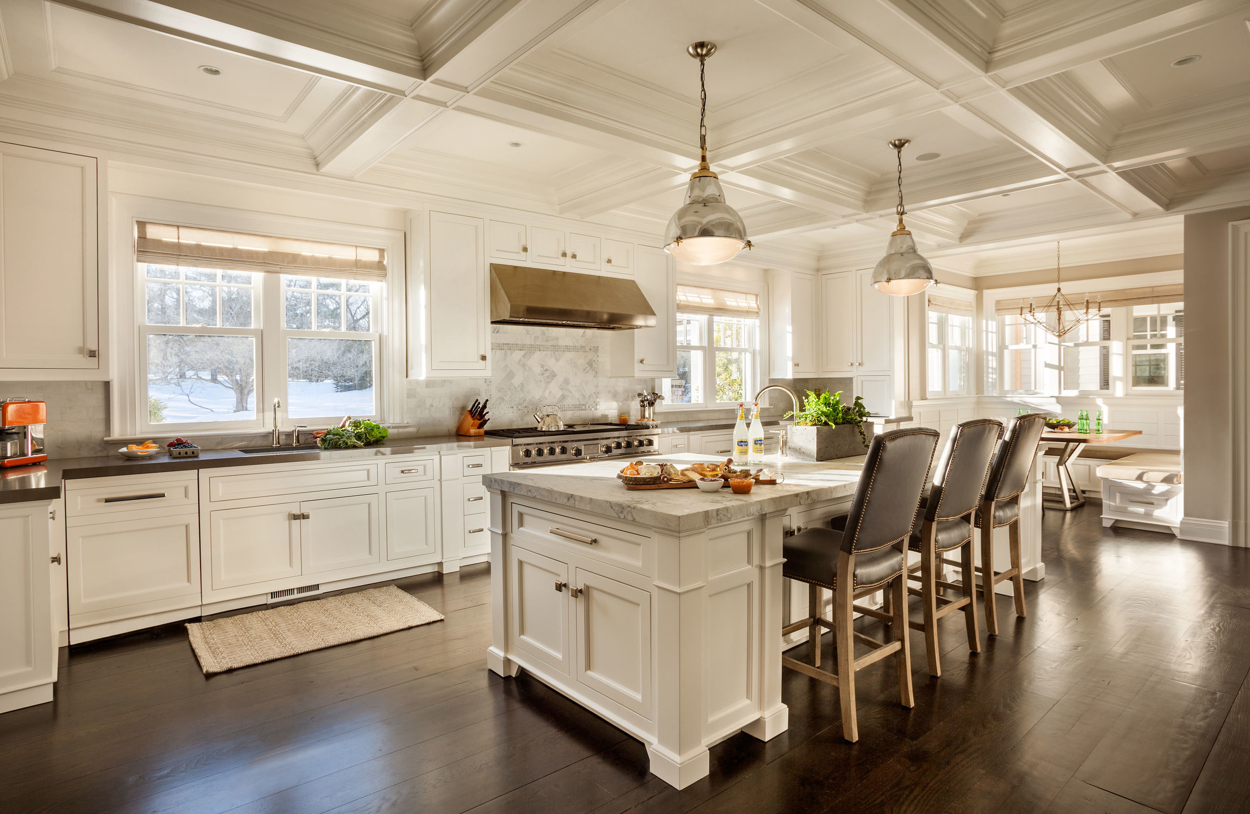 luxurious white kitchen interiors, spacious bright kitchen design, inspiration for gorgeous traditional white kitchens