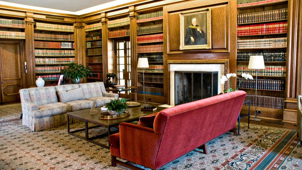 inspiration for library interiors, old estates and their interiors, decorating a home for people who love to read