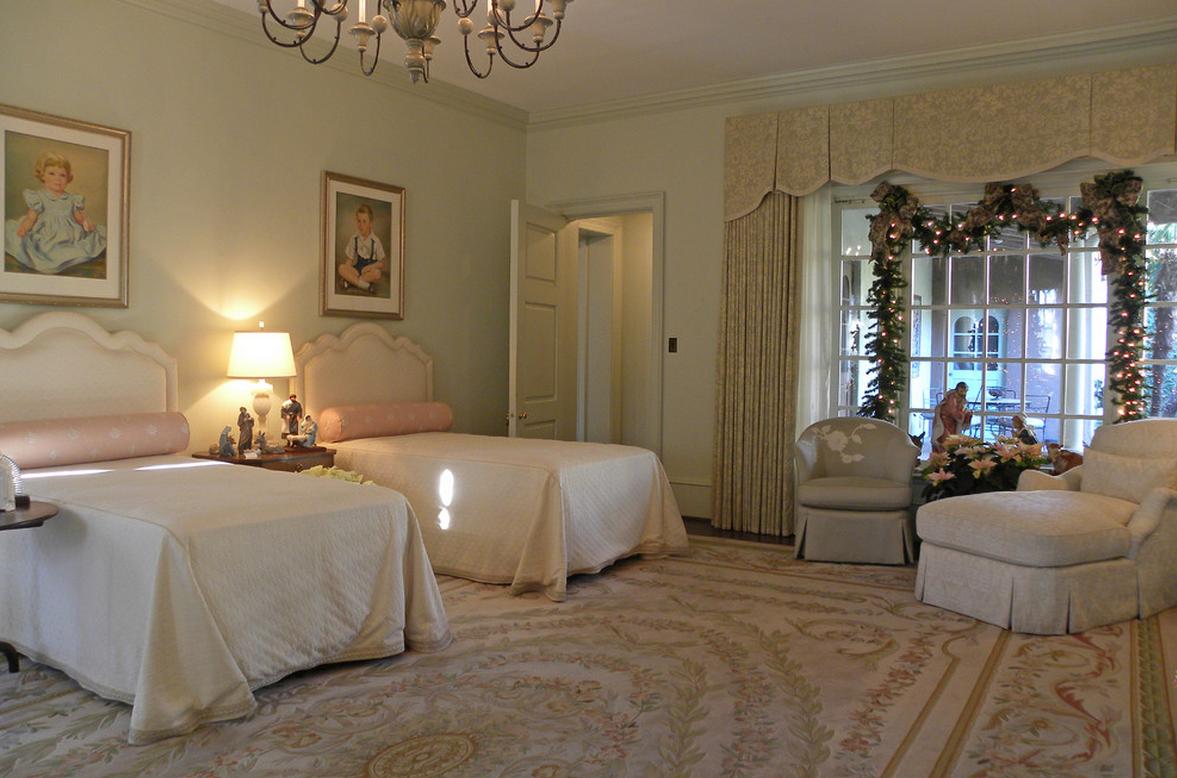 traditional bedroom interiors, luxurious bedrooms, luxe bedroom interiors