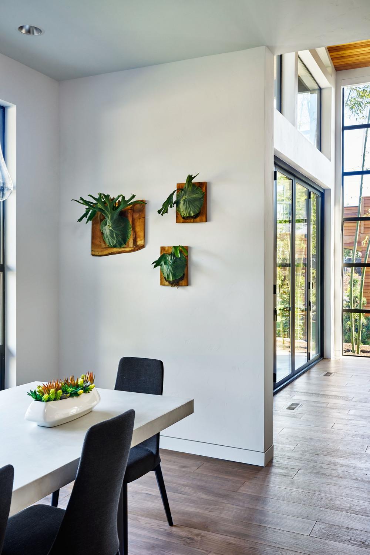 Sandhill Crane Dining Room Details