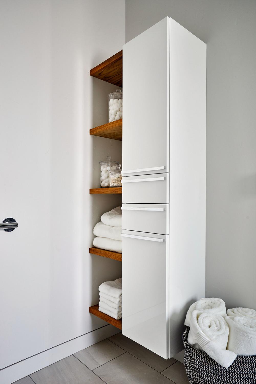 Sandhill Crane Master Bathroom Details