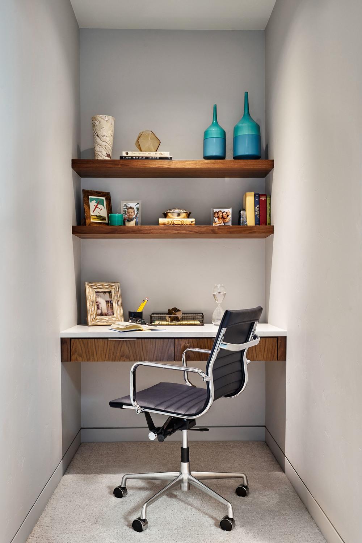 Sandhill Crane Desk Detail