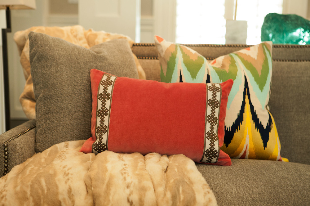 New Canaan Living Room Couch Pillows