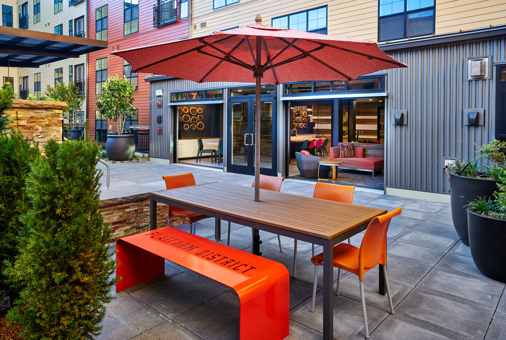 Courtyard_Table_02969 1.jpg