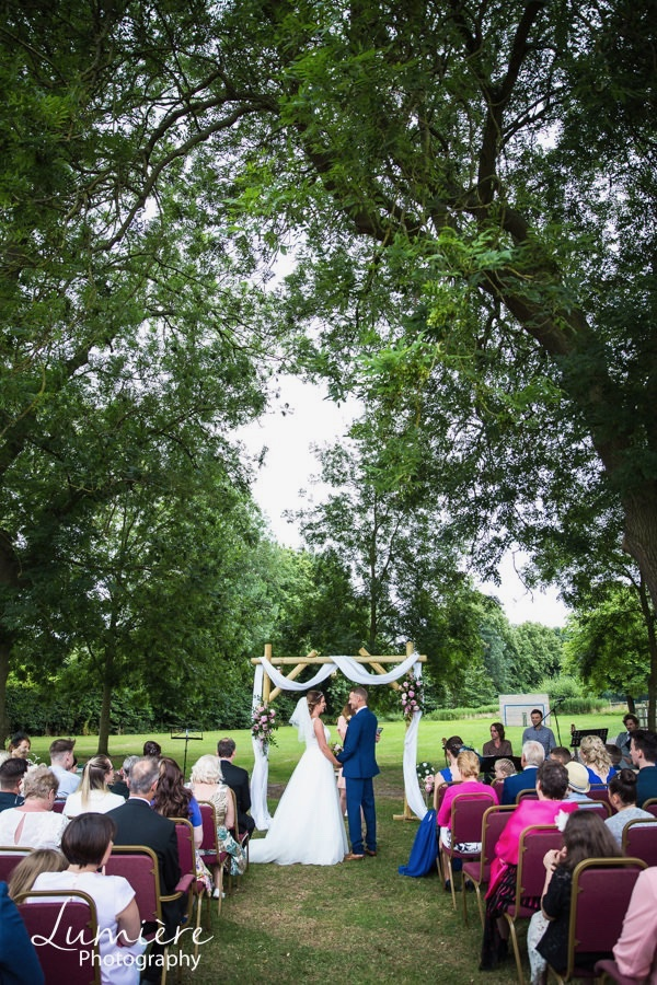 Foxton Locks wedding Lumiere Photography-96.jpg