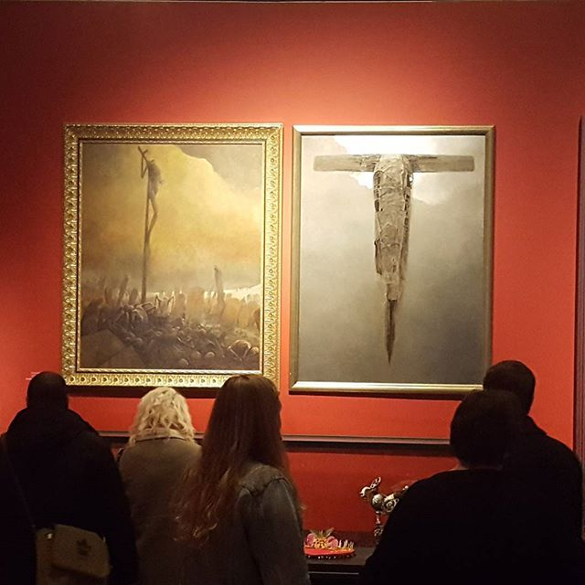 This exhibit at the Art Gallery of Ontario was AMAZING. @tribesofmargoth and I lost it when we came around the corner and saw these original #ZdzisławBeksiński pieces. Also included a myriad of beautiful work including #jamesjean and #HRGiger originals. * * * #fangirls #lowbrow #popsurrealism #iwantallthesethings