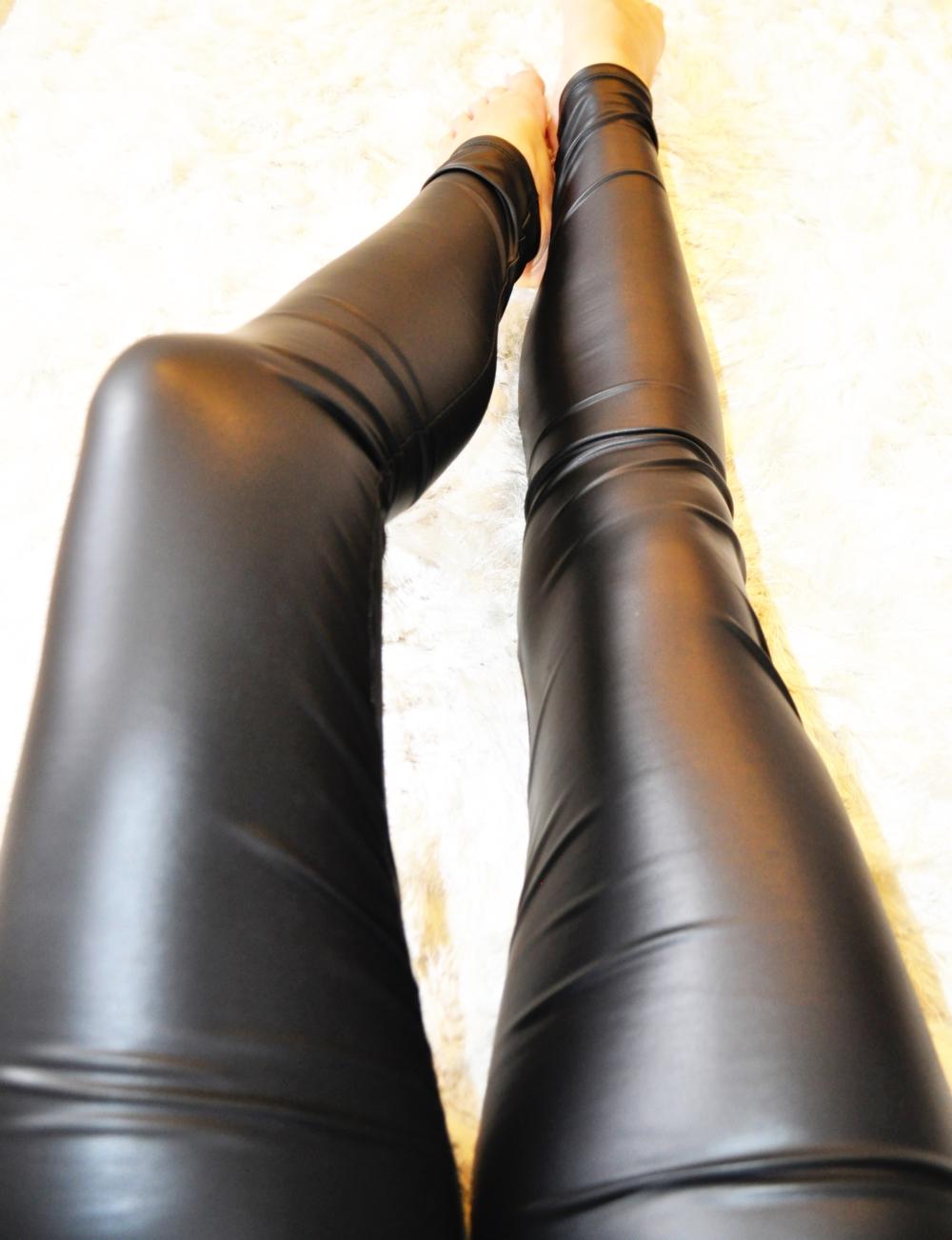 liquid leggings pic 2.jpg