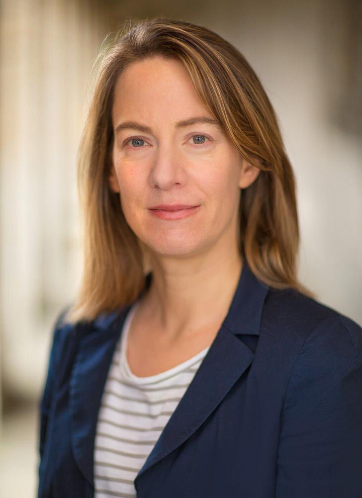 Corporate Headshot of Dr Miriam Schmitter