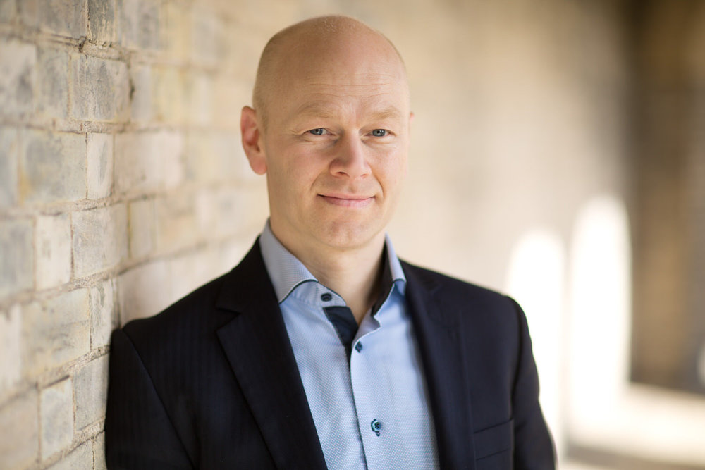 Corporate Headshot of Kare Sivertsen