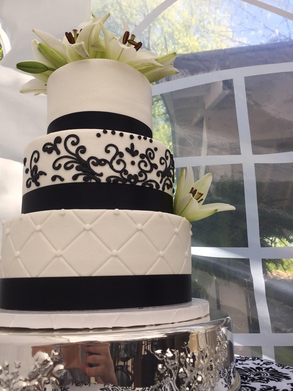 black detail wedding.JPG