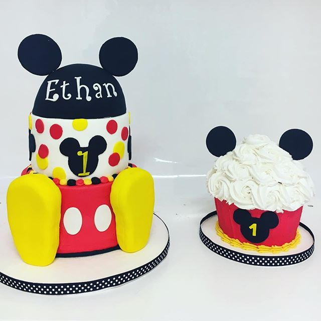 Love this combo we did for a precious 1 year old! #cakesmarietta #cakesatlanta #oneyearoldcake #smashcakes #confectionperfection