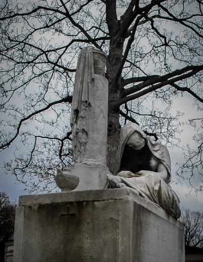 The weather had turned bad at Pere Lachaise