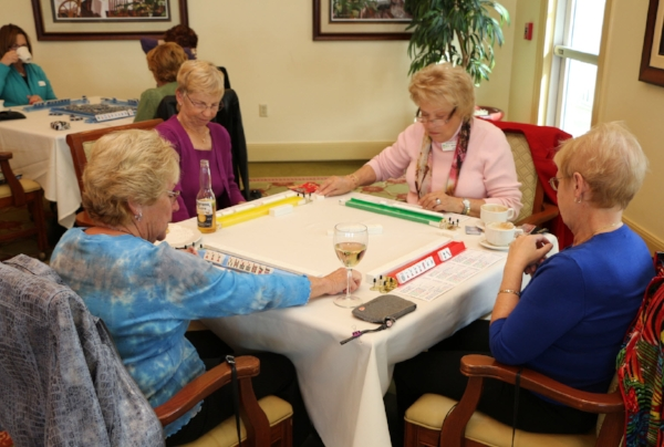 Sunny ladies playing scrabble.jpg