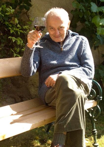 Sunny  Man with wine.jpg