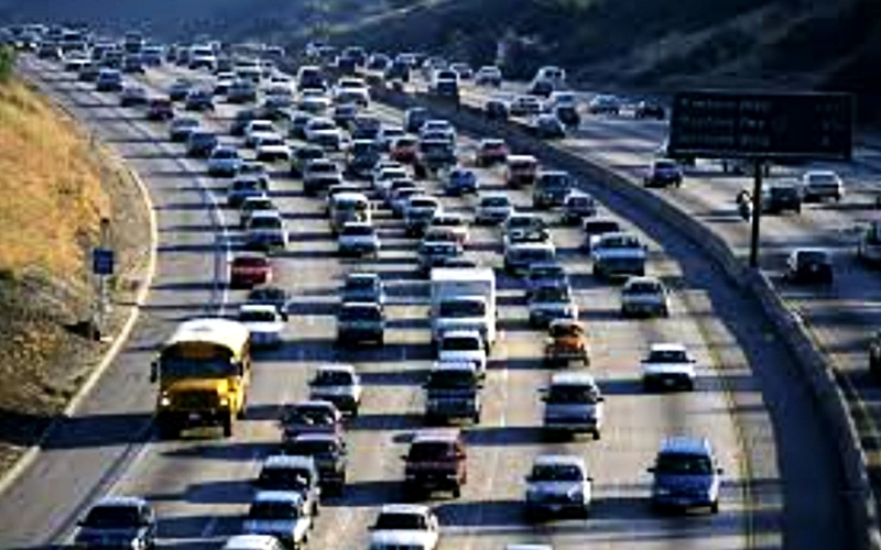 Mexico City  crowded freeway.jpg