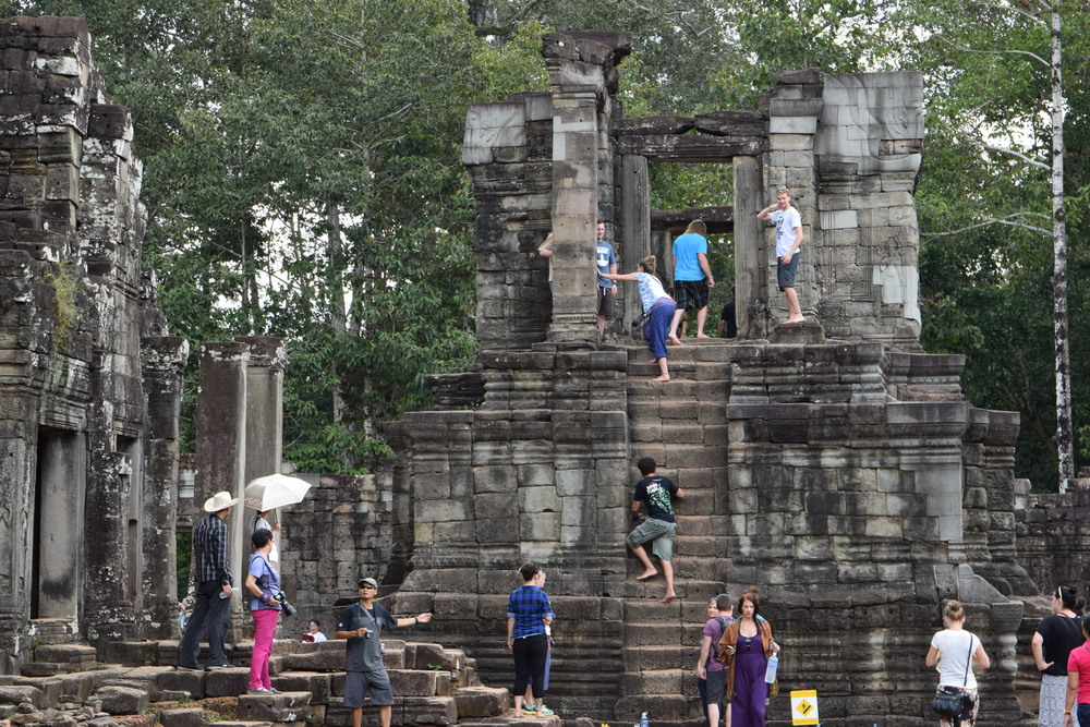 Picture taken at Angkor Thom, used here for the example.