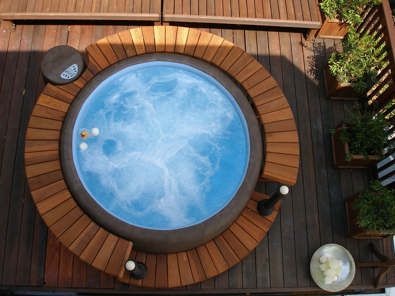 hot ground concept outdoor product tub soft person prod above circular softub