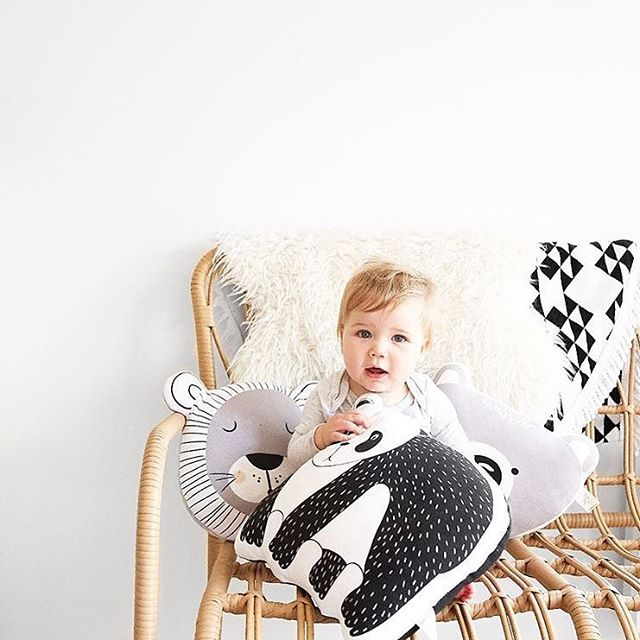 Happy Fri-YAY! Check out our selection of Mister Fly cushions and matching play mats 🐼 🦁 👉🏻 shop link in bio. . . 📷:@misterflykids . . . . .