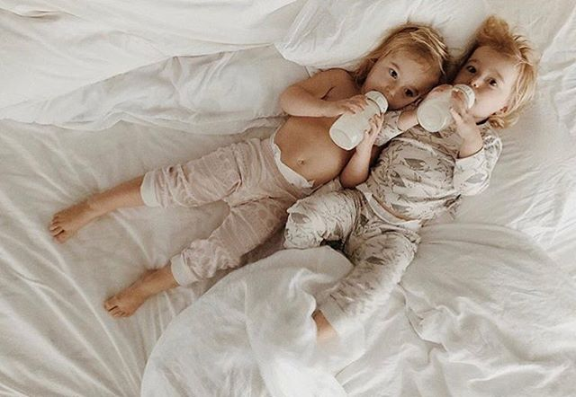 Monday vibes ✨ These two cuties are snuggled up in our organic cotton pjs by Wilson and Frenchy - shop link in bio! 📷: @laylaygibson . . . . . . #fairtradebywomen#babyshower#pregnant#girlgift#newmom#vscomom#momentrepreneur#thebumb#letthembelittle#purelylovedorganics#momsofinstagram#bloggermom#smallshop#girlmom#babiesofinstagram#mymamahood#babyfashion#blogger#bottlefed#newmom#flatlay#seattle#instabest#supportlocal#parenting#wilsonandfrenchybabes