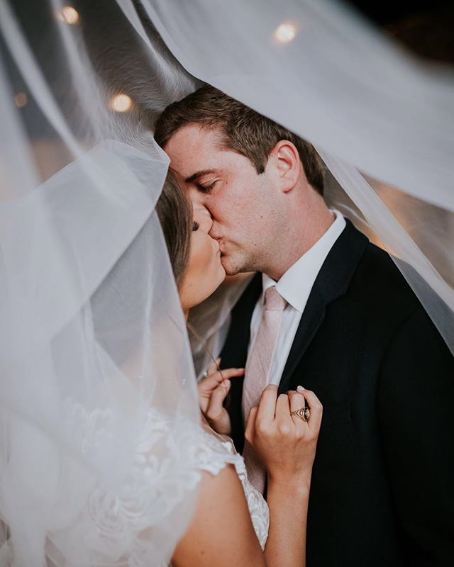 Wow we love veil shots... like a lot!⠀ ⠀ #weddingveil #veilkisses #thecordelle #nashvillewedding #nashvillebride #weddingdress