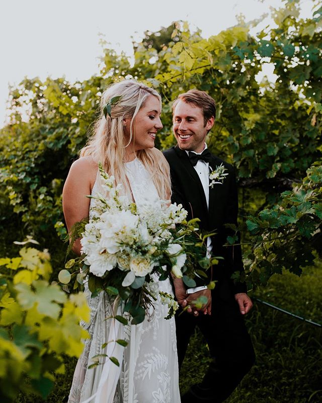 All smiles on the first stroll as husband and wife. These two are too dang cute! ❤️⠀ ⠀ #debargevineyards #chattanoogawedding #brideandgroom #vineyardwedding #wine