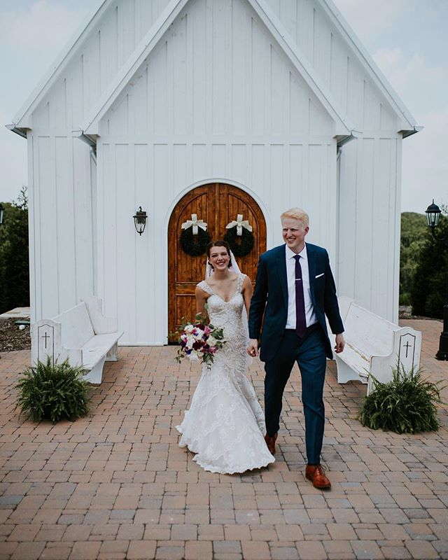 Congratulations to two of our own, Samantha and Zach!⠀ ⠀ Photo by our very talented friend @abigailbridgesphotography  Edited by Southern Cinematics⠀ ⠀ #howefarms #chattanoogaweddings #bride #groom #chattanoogabride #weddingchapel