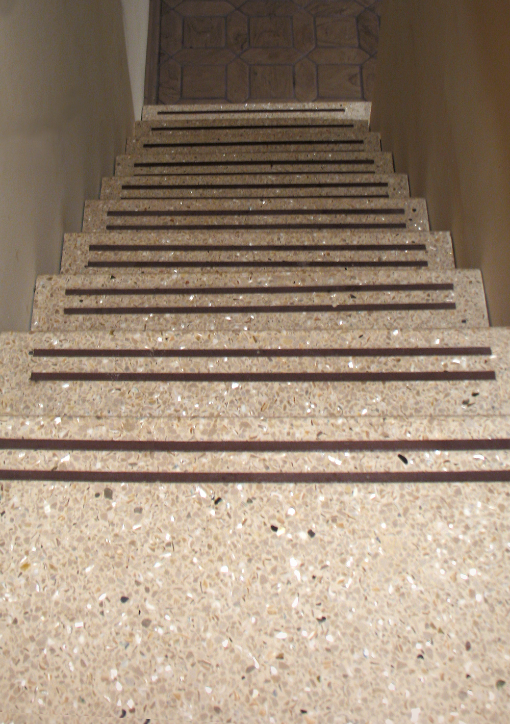 Stairs_Zoomout2.jpg