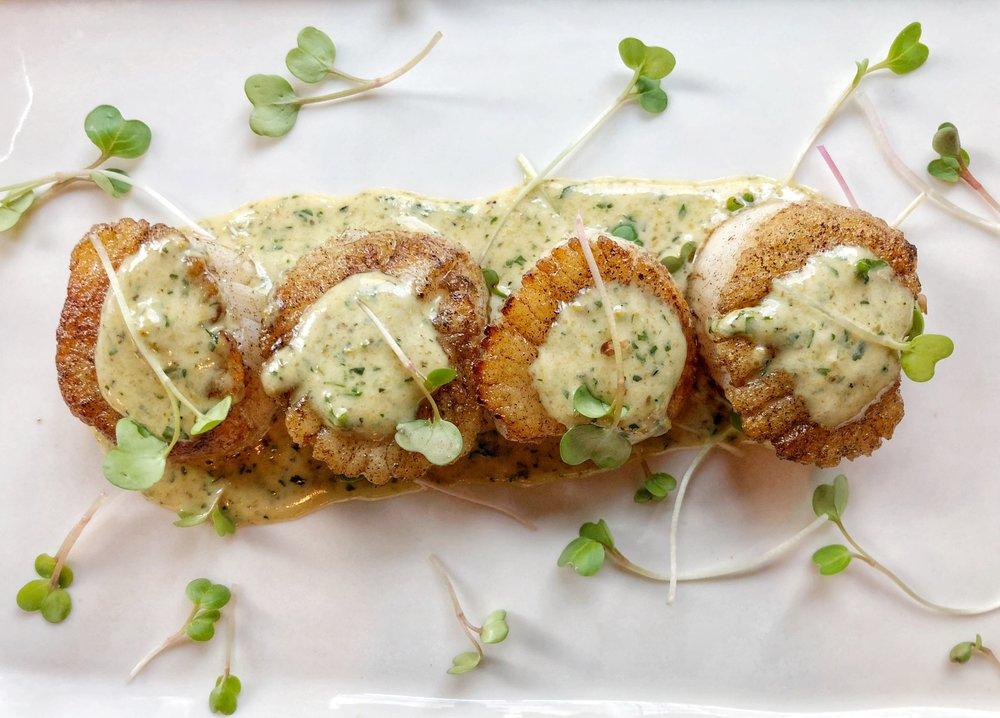 Scallops Pastis - ricard pastis beurre blanc, fennel pollen