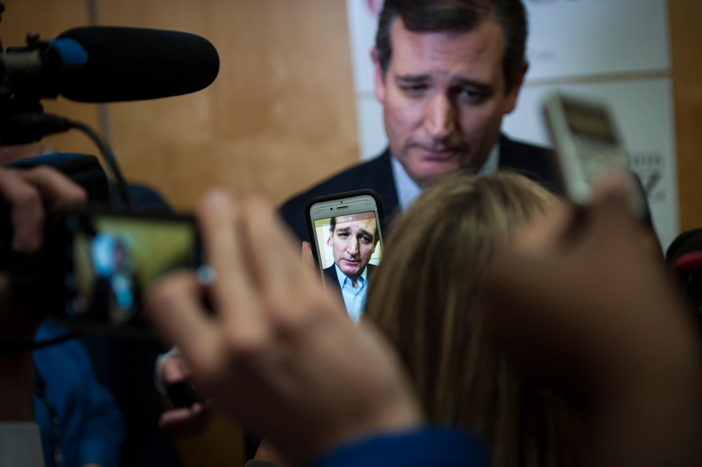 U.S. Republican presidential candidate Texas Sen. Ted Cruz answers questions from the media after speaking at the Freedom 2015 National Religious Liberties Conference in Des Moines, Iowa November 6, 2015. REUTERS/Mark Kauzlarich