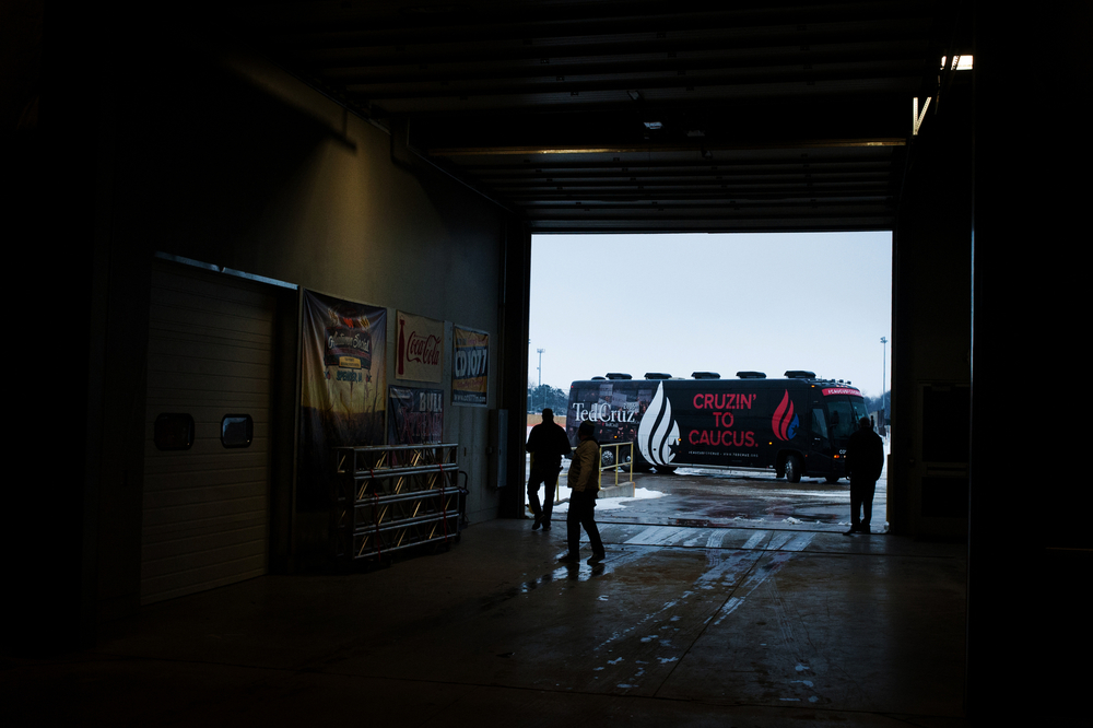 Republican U.S. presidential candidate Ted Cruz's campaign bus pulls into Clay County Regional Event Center in Spencer, Iowa on January 6, 2016.