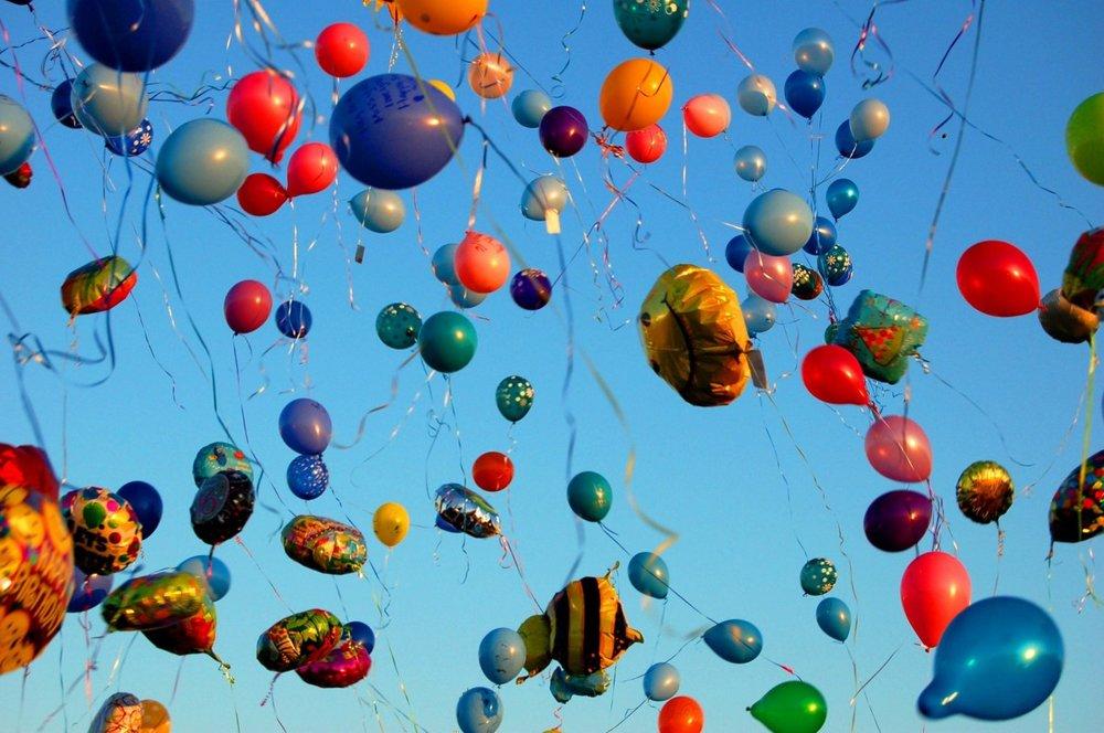 balloons_sky.jpg