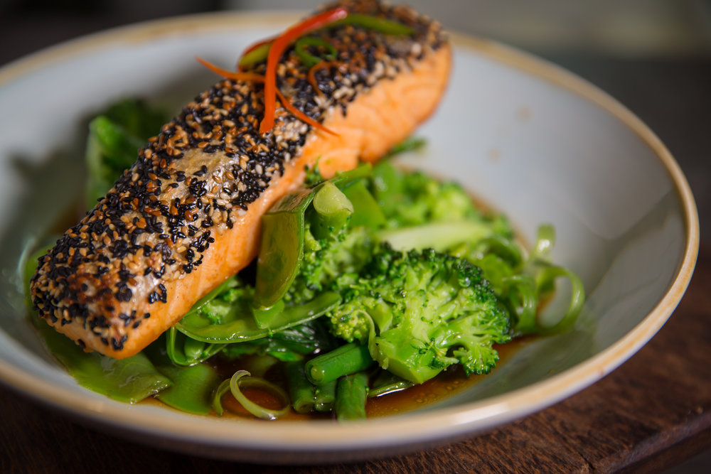 seared-salmon-seeded-snow-peas-broccoli-photo-images