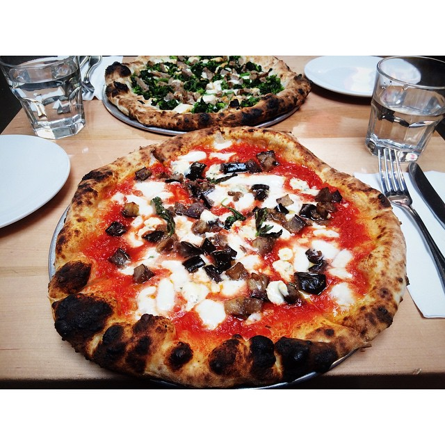 Pre meeting happiness: Classic Margherita pizza with Gorgonzola and eggplant #vegetarian