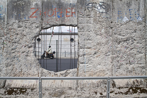 AnniTracy_BerlinWall2013-2.jpg