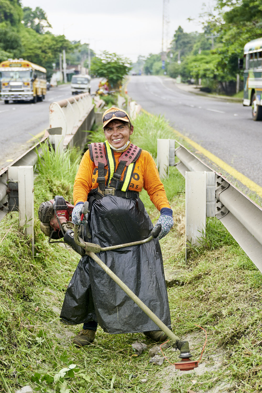 Inequalities_El_Salvador_Road-maintenance-women_20160723_El_Salvador_DSC00966.jpg