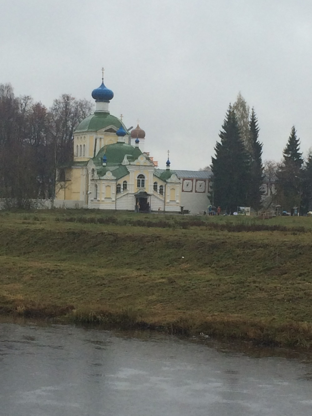 This church is connected to the monastery.