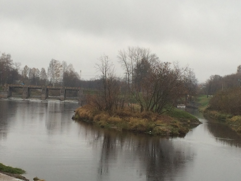This is one of those locks I mentioned that were constructed on the river to try to turn it into a shipping throughway.
