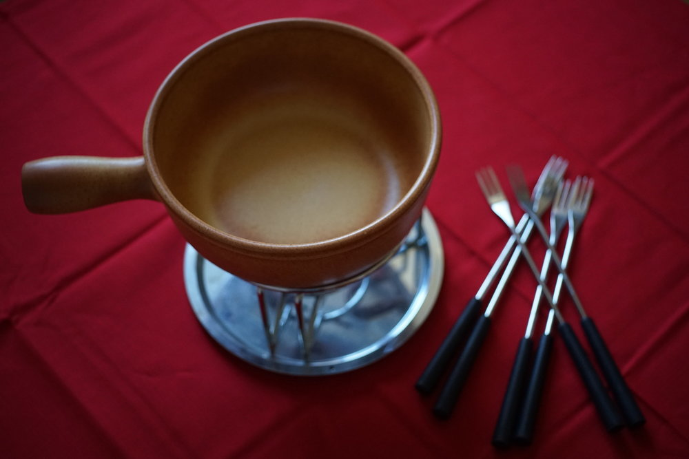 fondue pot.jpg