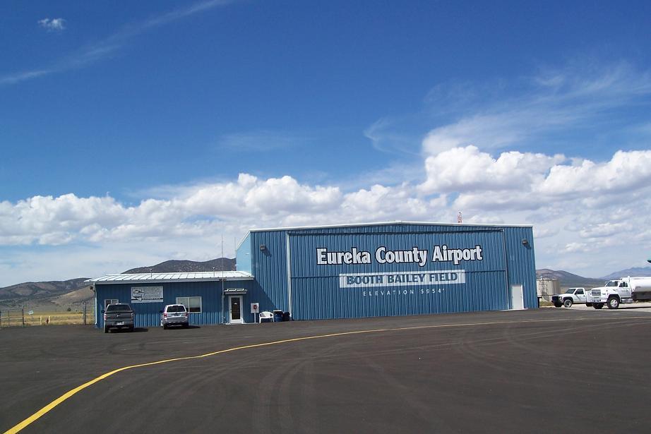 arcata eureka airport ACV.JPG