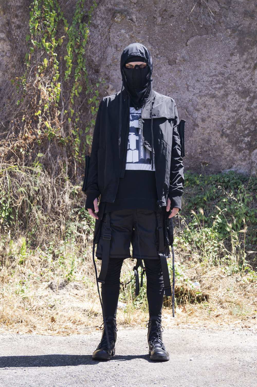 GALLSS18_UNBORNSURVIVAL_LOOKBOOK_MANRED (3)_Page_06.jpg