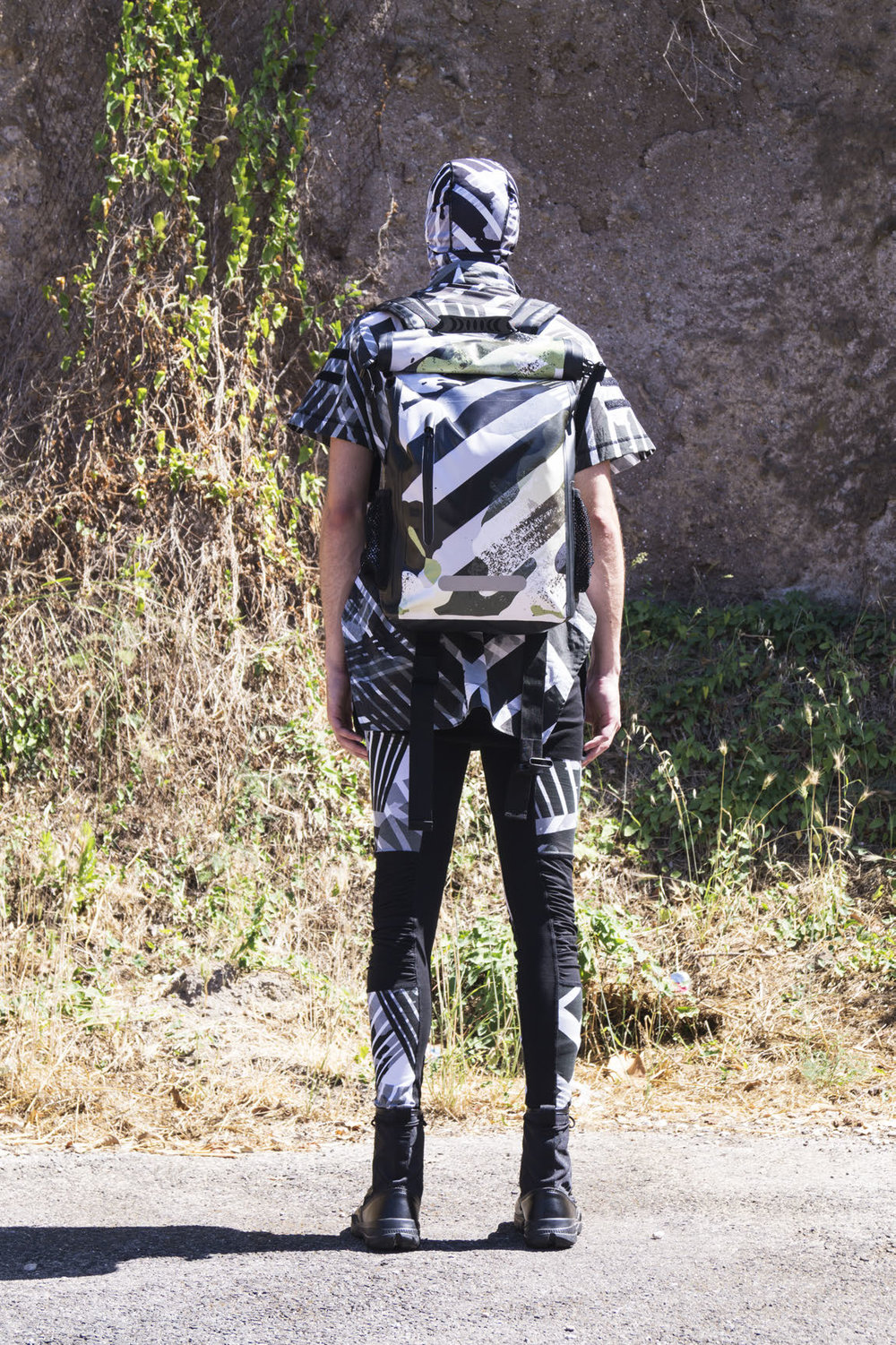 GALLSS18_UNBORNSURVIVAL_LOOKBOOK_MANRED (3)_Page_09.jpg